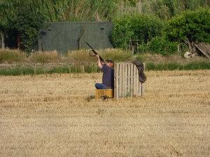 DEPANA - cazador en el delta del Llobregat